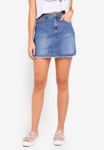 cotton-on-the-remade-mini-denim-skirt-dVo8Zh5uTHHpr1vh6Ux3CaCk2uDHibdWGdeM-300