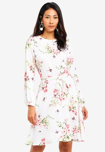 dorothy-perkins-floral-belt-long-sleeve-skater-dress-7kAYsdbaFhCkfAid7dNwBkq82qXuPQtL4Prr-300