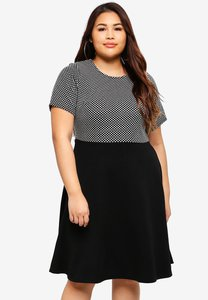 dorothy-perkins-plus-size-spot-jacquard-2-in-1-dress-krRi3fHaUNvK686VP9CGnTTa2GMArtvvF24t-300