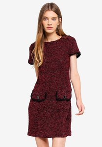 dorothy-perkins-red-jersey-boucle-shift-dress-kFQm5iu9chGcoAZPcn1TxpAC2ht7Hfy37Hnk-300