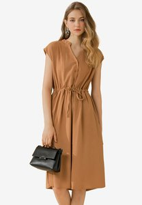 eyescream-v-neck-button-down-shirt-dress-1Uuj2bo6yZq8nnDHYgB3k9TK21KxBUUzSLnx-300