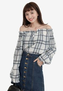 eyescream-off-shoulder-lace-up-checkered-top-uco8MfJGoyZoDc1t9FEocd2R2Rd8BRwNrWTo-300