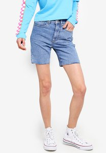 factorie-long-cut-off-denim-shorts-m4DfEUdHtagSybCg3vsQHVDd2mJmhyrTk7EV-300