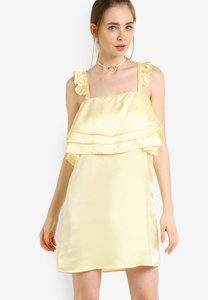 fashion-union-frill-dress-q4i2yFeR24YEAzRXVXMz96QUYqWfVBsKm-300