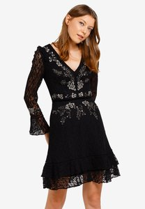 french-connection-bella-sparkle-embellished-lace-dress-U8ZFU2gZaP2embx7KfPHCkSX3zyqrXgXr3ag-300