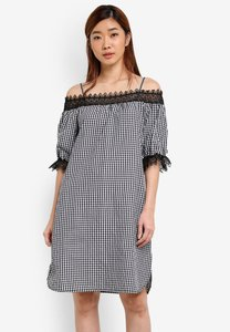 geb-checkered-off-shoulder-dress-8mTmEDgUZAxYjvuNW9osT5FE78v7gpN7J-300