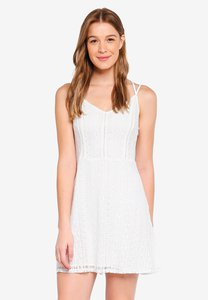 hollister-bare-lace-fit-and-flare-dress-uGJwcipdcPixwF62qh6WF9zk2qPQDwNvs8bz-300