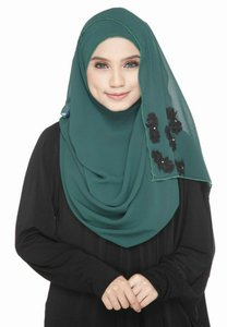 ilhammuslimah-ilham-flower-wide-shawl-green-black-rmjfDXL1Aij13oo9XQUwn5rRDvRWf2BeT-300