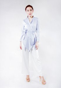 kiss-tell-medina-kimono-wrap-in-lilac-grey-Pc4WFfGuhfyAXyKHqZEEFAVS2nLHqwfoSux2-300