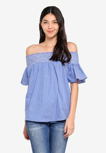 kitschen-smokey-off-shoulder-top-with-batwing-ruffle-sleeve-WebXNdXfo2pPwPz2iauf7vD621F41TFJ3g5K-300