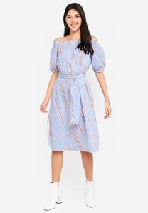 kitschen-stripe-with-abstract-print-off-shoulder-dress-Z7d2F2b34uvHLG99hQBYPi1g3jdyUxk714mo-300