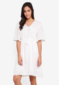 kleeaisons-mid-sleeve-lace-trim-dress-23jFW2g5ZPUFY9uM9ZH5WZby33irr2myr3e8-300
