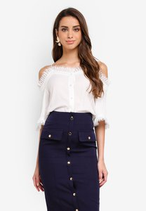 kleeaisons-cold-shoulder-blouse-with-frills-y56jQiqgzWaMLJPMR3zZrAsb298MuSm45EZ5-300