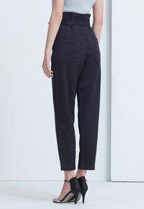 kodz-high-waist-textured-wide-pants-with-tie-waist-f2M1F2ZAxNsgwtkSGp2zNL4N3Yh7nJzR1ZCL-300