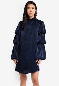 lost-ink-layered-sleeve-shift-dress-hPjfdh3wBiAgfoUVfiXoR5hhLaudJNPFa-300