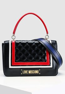 love-moschino-quilted-shoulder-bag-TNJVgZwzpUuEapHoMGtBSNCs2Th5GQBYCqgL-300