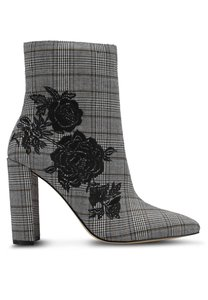 miss-selfridge-denmark-checked-embroidered-boots-efiw2VvxgYRZWGaKd3Ccw55WGy9UAX88h-300