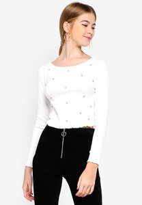 miss-selfridge-long-sleeve-diamante-rib-t-shirt-9pi2L4NwFXYHf9KiSQdvCXav35Z7zEtYSaU4-300
