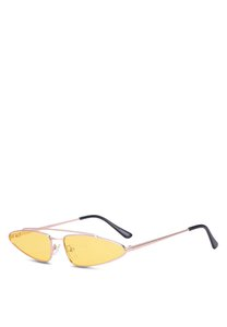 prive-revaux-the-milan-sunglasses-9QUAah9f5ryoEB3gUQYvP3Dw27t7e5on2tcw-300