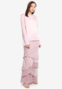 pu-3-maia-plain-top-with-signature-skirt-kurung-PjKi6fFdV37pw5QMEkSyZBze2hwEA9qfE1bo-300