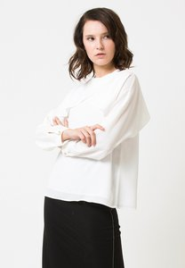 the-executive-open-sleeve-blouse-sK7geZvya2z5buYt7nbRC25K2UU3azSRzeNv-300