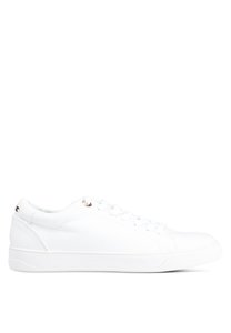 topshop-curly-lace-up-trainers-SmQhwWNJEEyCMytAp4nFLqh82wf5BoJqLbD4-300