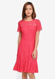 wallis-pink-peplum-hem-lace-shift-dress-AoE5mWRS7vymE867C6qq9NUy2B2uZYPsmt47-300