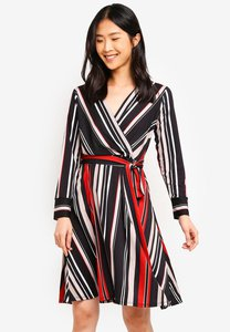 wallis-petite-black-striped-wrap-dress-auhMQkceFfnb38rUJ8aqeEPZ2W1S5JC4tDZr-300