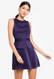 zalora-peplum-fit-and-flare-dress-2r2YsfNzZLZ4dTiDgGKtexqZ2e4yuzgqUYum-300