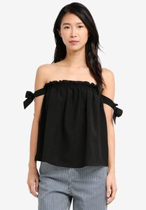 zalora-off-shoulder-top-with-straps-WsJmTiw8L7mpRekcwTgt2yZj2Dk4yKLi82SV-300