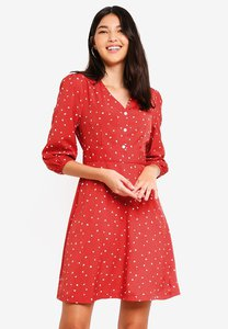zalora-fit-and-flare-wrap-dress-R5Mq7671PkW9DAsLLuchrAMr3x7EW7do33g5-300