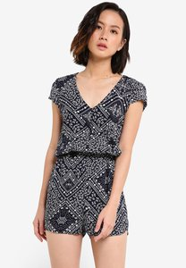 zalora-love-button-front-playsuit-with-cap-sleeves-FAPhWZxAKXcWLdAfPqyHPNFa2vyxGfiyztg1-300