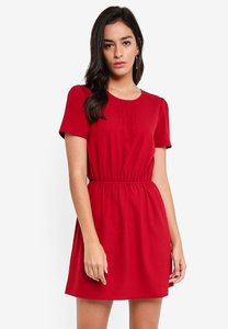 zalora-short-sleeve-fit-and-flare-dress-RYSGdUdxrmuESuiRUhzYhAYR2PhnNSUb99Q7-300