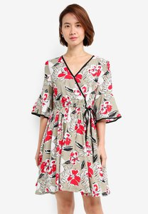 zalora-wrap-dress-with-binding-detail-ij9kHh88nc7EScPQAXmG6EbT2p44kBirhAsX-300