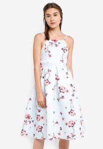 zalora-bridesmaid-cut-in-pleated-midi-dress-onRZNkduNAkahrECyAosVc2k2VjQ6VL5hXz3-300