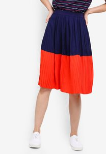 zalora-basics-basic-colourblock-pleated-skirt-Do3smUcBGbwJUvJA3r7Pwpuq2Crp2pjgYAHN-300