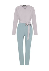 zolace-all-truth-be-bold-jumpsuit-J7urV4X7DsoFD1hsLuJWa5pEcQdqVSekV-300