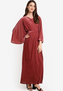 zolace-pleat-and-greet-kaftan-JnMrGkKGtTv3DskTBpiFC55SBQKGEPE2G-300