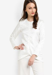 zolace-sheen-on-me-blouse-JburXzFzhhAXDxyaC1FoC5qSnQtPfWvC5-300