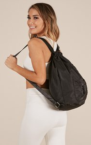 showpo-has-to-be-true-bag-in-black-FqYFJN1apCc7PAxovECWVmFPJ6X748CBKQiqYhwb-300
