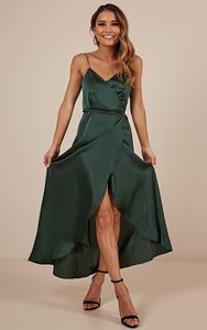 showpo-the-countess-dress-in-emerald-satin-DxgCfgZVNc96PrA2eWG6KomP2LKupsPuXqq2VmMWwW7FHPLNU-300