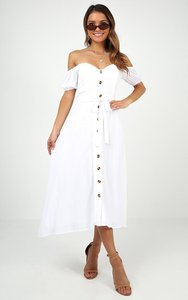 showpo-white-flag-dress-in-white-3jBibhAWQb8RtJDp1x6J2Jq2YcBjRLw4-300
