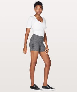 lululemon-tied-to-it-short-ET8f4BgaMRTP8jfzinWj5gsEe8a1fziw3GMRk-300