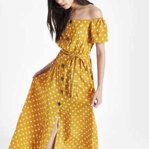 river-island-yellow-spot-bardot-button-through-maxi-dress-3gnjLfHoJLsG5Ez3f44rboRPeYq8r-300