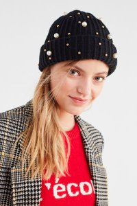 urban-outfitters-pearl-embellished-fisherman-beanie-9gTzPoSCNvi3swGciALyKN4n6Efp3D4bcvUYh-300