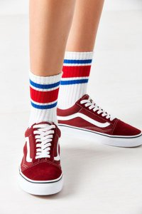 urban-outfitters-out-from-under-sporty-gym-crew-sock-pguRPNTydVuWmw2aA1tDQA2TBE3M3Ex1rdNum-300