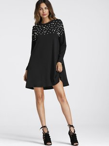 shein-pearl-beaded-detail-shift-dress-wh91r4eRDi3eSQE1djE82S6Vjb2J3Vgi-300