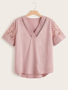 shein-plus-lace-panel-high-low-blouse-b9FF43xNND5xoTntVSECSdNQopY21p1cYPSR1ut-300
