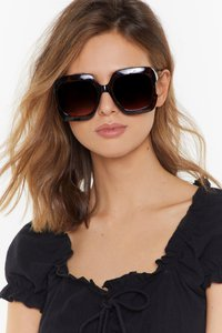 nasty-gal-get-out-of-my-face-oversized-square-sunglasses-oxigZav9XKfG1iekrv3uYbud8oh-300