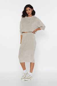 nasty-gal-see-how-you-chenille-midi-skirt-9ExPWD9jUQAffZbBjsRFndJU4JkzZm-300